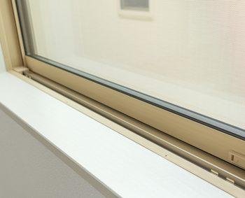 新築住宅の樹脂サッシの窓