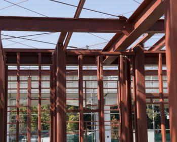 鉄でできた家の基礎構造