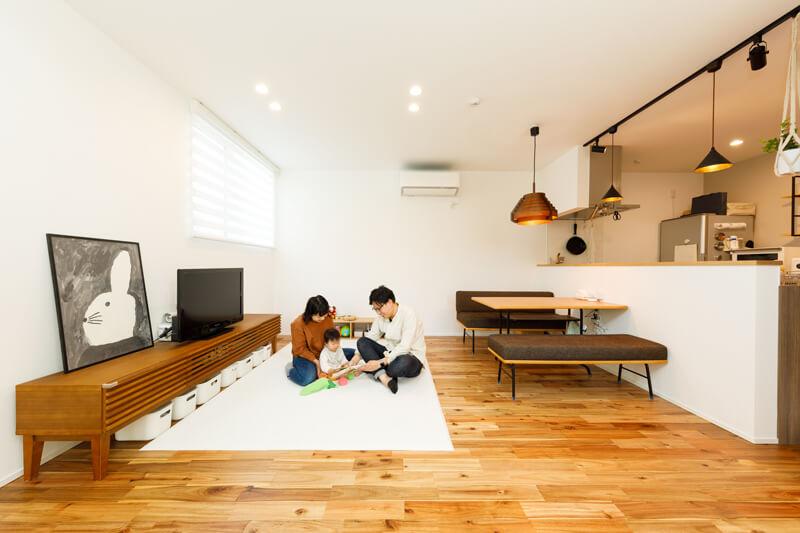 住まい全体を一つの大きな空間としてとらえた仕切りのない開放的な設計は、どこで過ごしていても孤立することなく、家族がお互いの様子を感じていられる、気遣いの届く絶妙な距離感を保ってくれます。