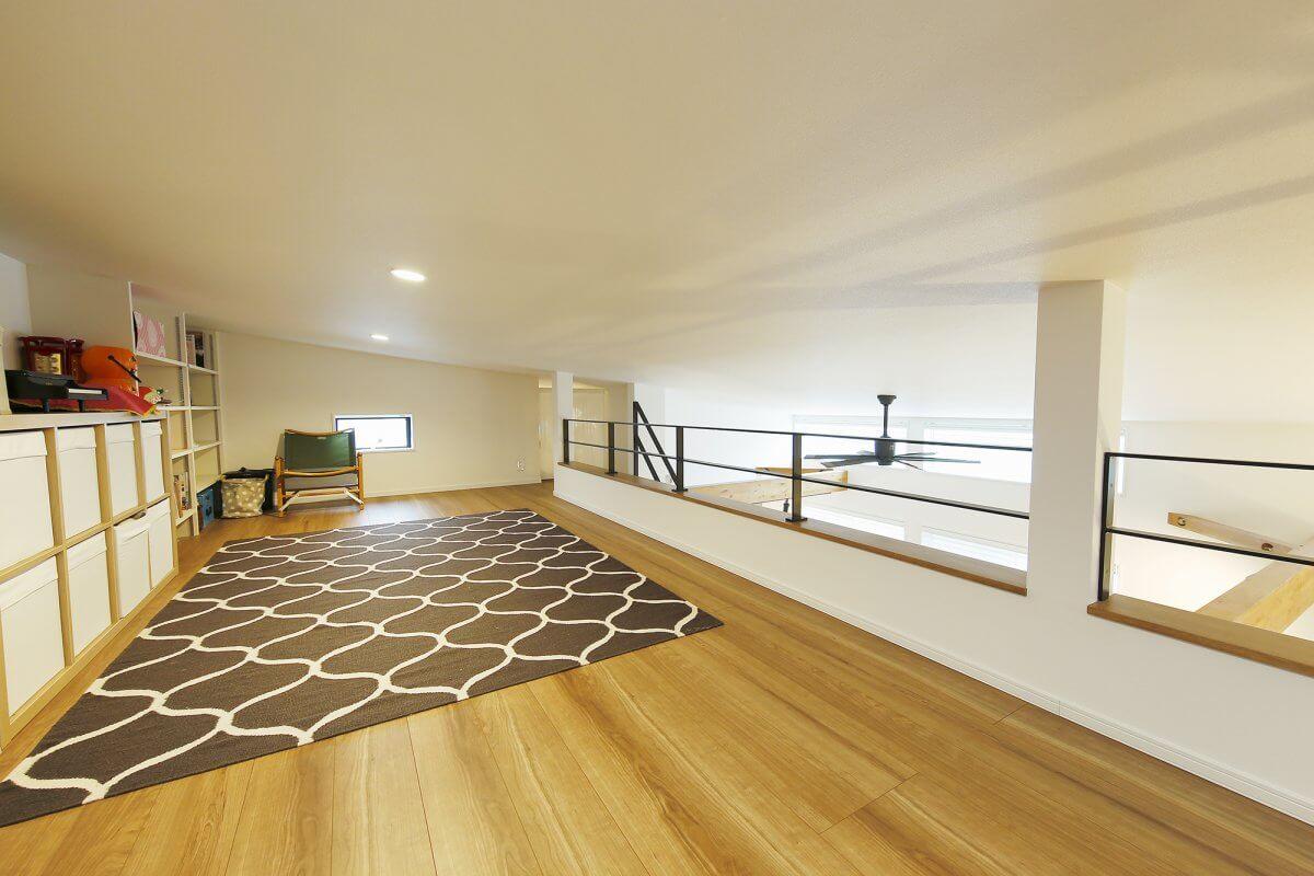 子どもの遊び場や、収納、ちょっと籠りたいときの隠れ家的なスペースにもなるロフト。多彩な使い方ができる、あると便利なスペースです。